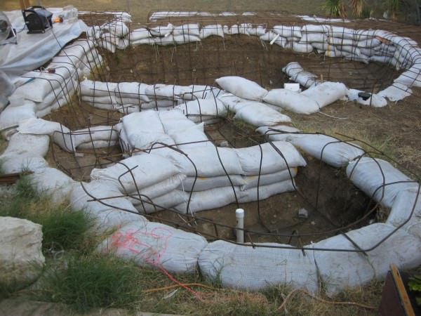 17 - Water discharge tank with rebar