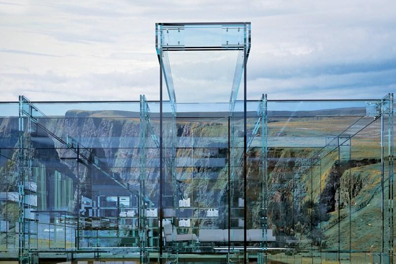 casa de sticla vedere exterioara