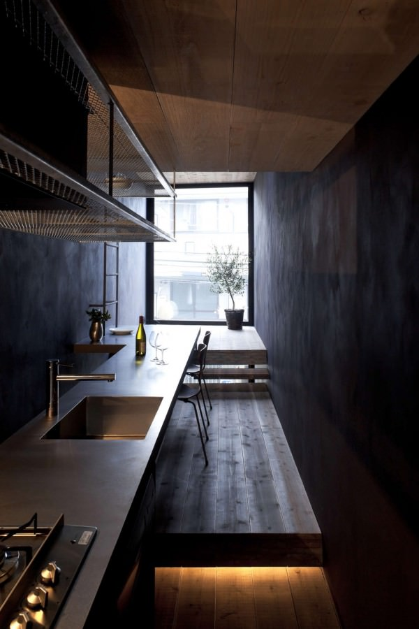 Toshima-long-and-narrow-house-compact-kitchen
