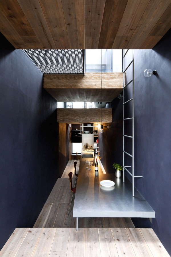 Toshima-long-and-narrow-house-dining-area
