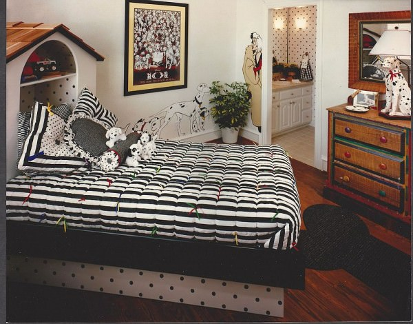 101-Dalmatians-themed-bedroom-in-black-and-white