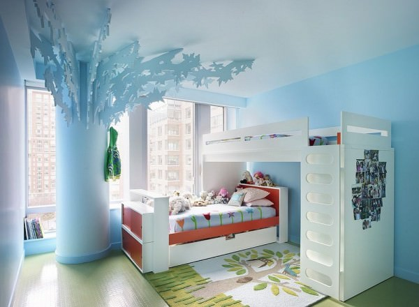 All-you-need-is-an-Elsa-wall-mural-complete-the-Frozen-look-inside-this-bedroom