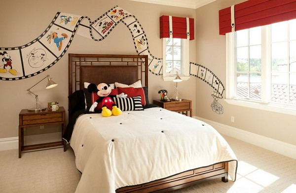 Custom-painted-Disney-film-strip-on-the-bedroom-walls