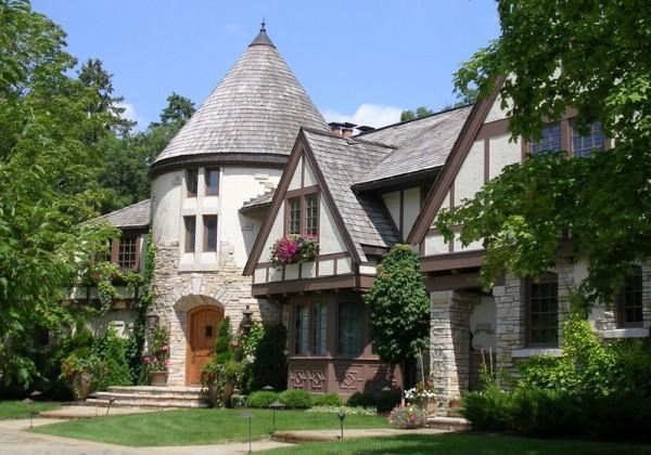 Fairy-Tale-tudor-Style-house