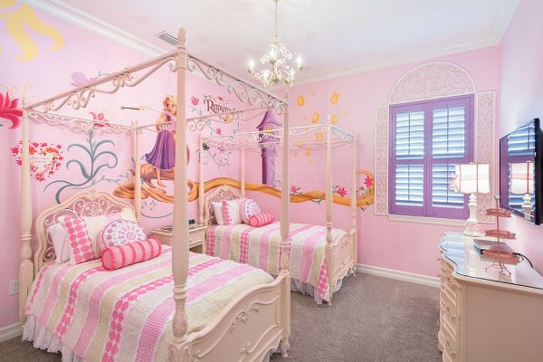 Glamorous-girls-bedroom-inspired-by-Disneys-Rapunzel
