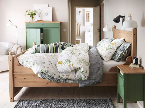 Lovely-IKEA-nightstand-and-linen-cabinet-in-pastel-green