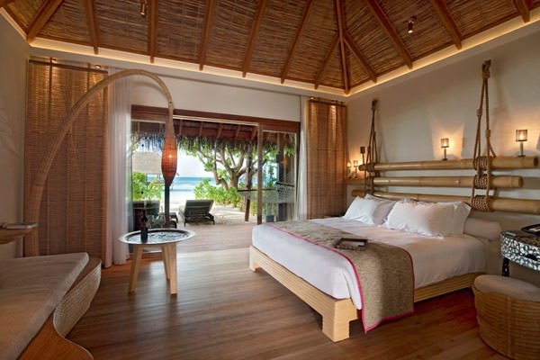 5-star-Constance-Moofushi-Resort-in-Maldives-6