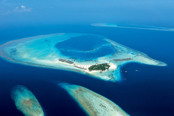5-star-Constance-Moofushi-Resort-in-Maldives