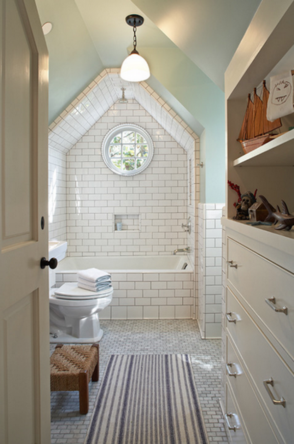Amazing-white-tile-framed-over-bathtub