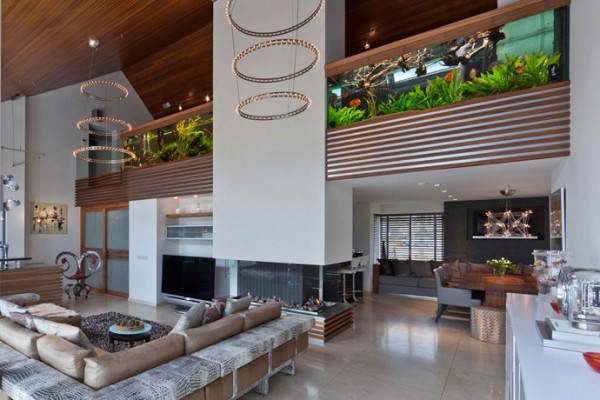 Aquarium-used-in-place-of-railing-on-upper-floor-level