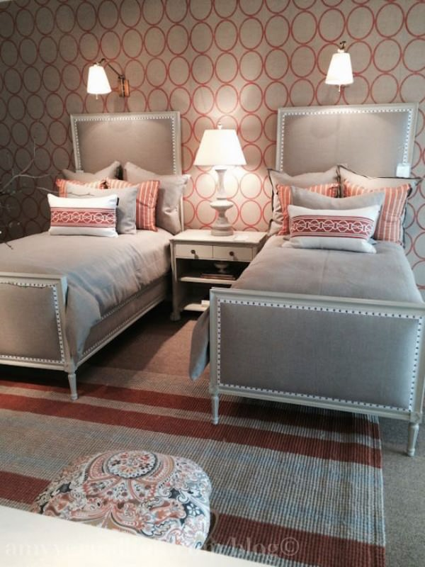 Creative-use-of-pattern-in-guest-room-with-twin-beds