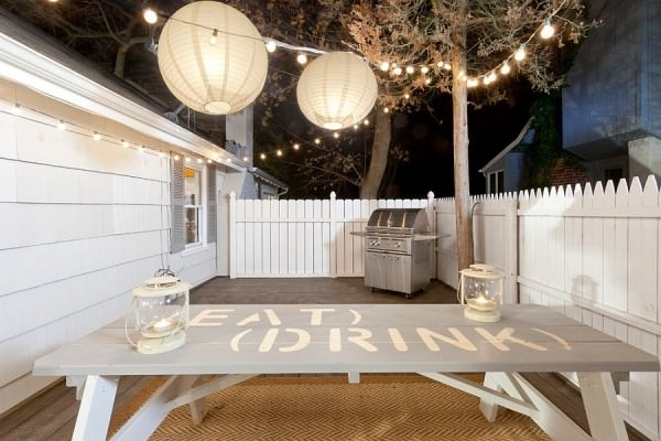 Lantern-and-string-lighting-for-the-small-deck