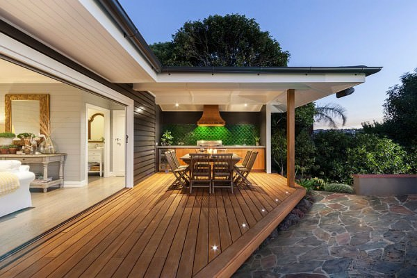 Modern-beach-style-for-the-inviting-and-spacious-deck