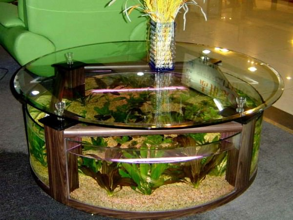 Round-glass-coffee-table-with-aquarium