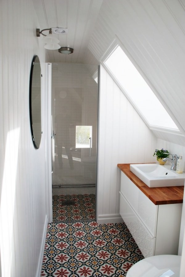 Small-attic-bathroom-with-Moroccan-floor-tiles