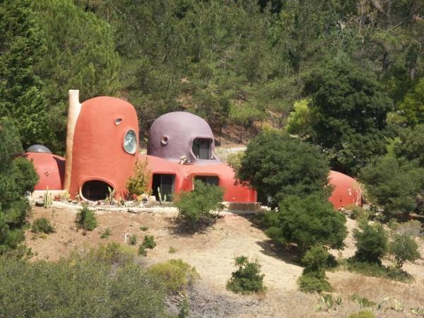casa familiei flinstone