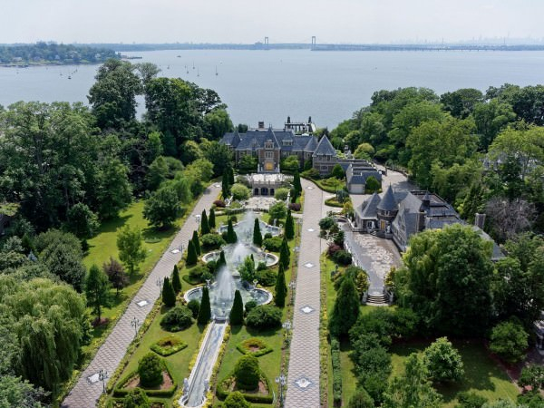 one-of-the-largest-and-most-expensive-homes-on-long-islands-north-shore-is-up-for-sale-again