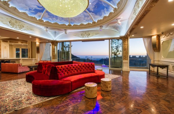 with-53000-square-feet-of-space-this-mansion-is-truly-gigantic