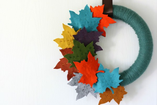 Colorful-felt-leaves-for-a-Fall-wreath