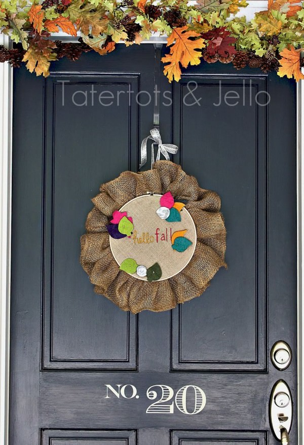 Fall-Embroidery-Hoop-Door-Hanging