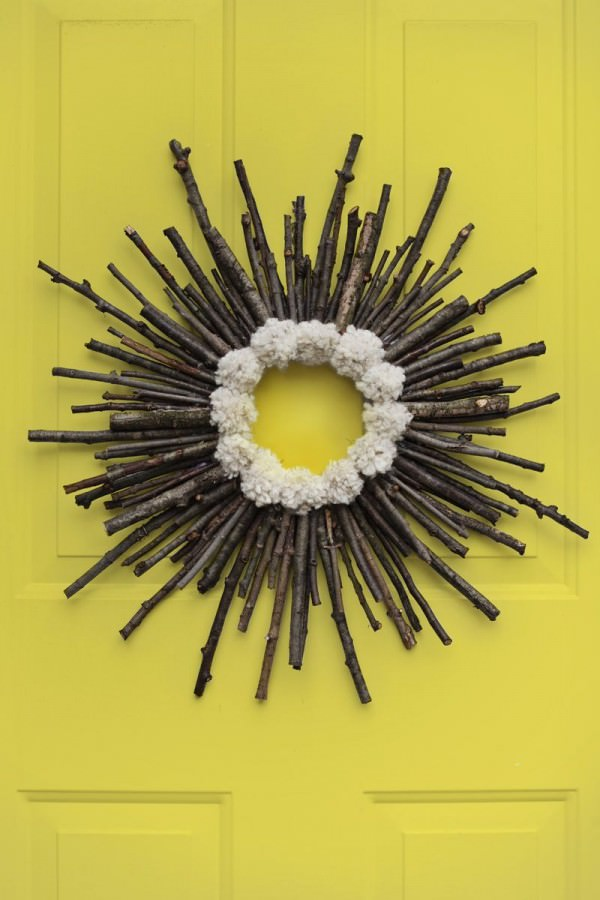 Twig-and-pompom-fall-wreath