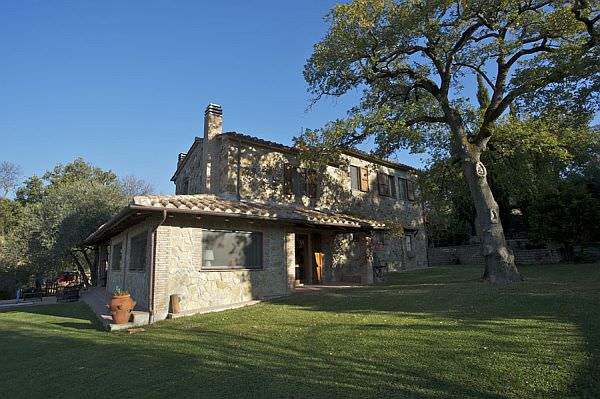 International House Hunting  in Tuscany