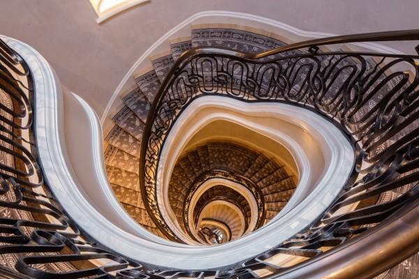 Cladire istorica transformata intr-un penthouse impunator 11