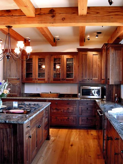 grinzi de lemn in bucatarie 19
