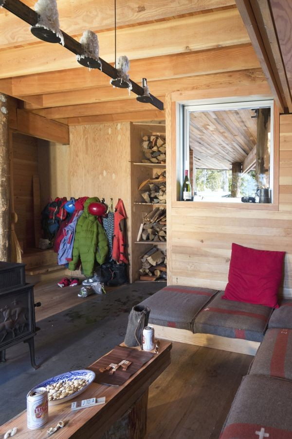Scott and Scott Architects Alpine Cabin Night