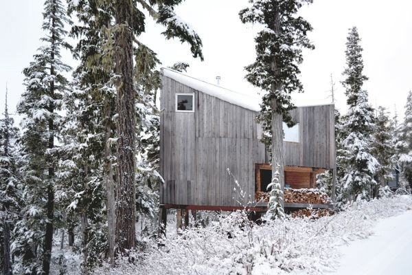 Scott and Scott Architects Alpine Cabin Exterior 2