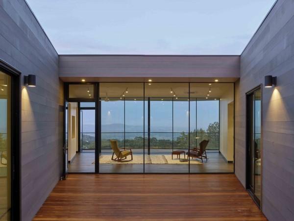 casa cu pereti de sticla 11