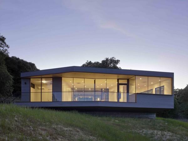 casa cu pereti de sticla 5