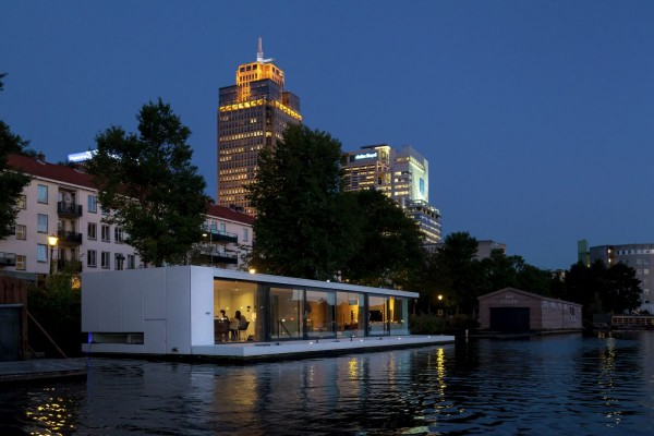 casa plutitoare 2
