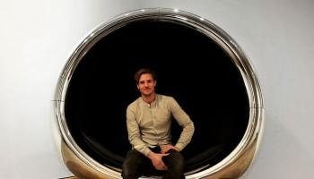 scaun facut din motor de avion