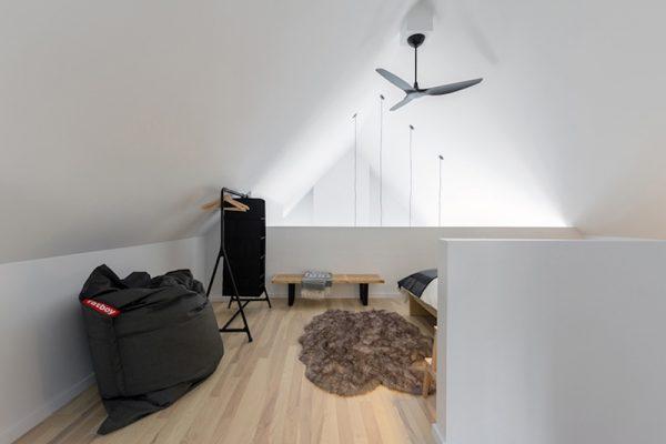 casa-de-vacanta-moderna-10