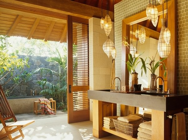 A-lovely-blend-of-Asian-and-tropical-styles-in-the-bathroom