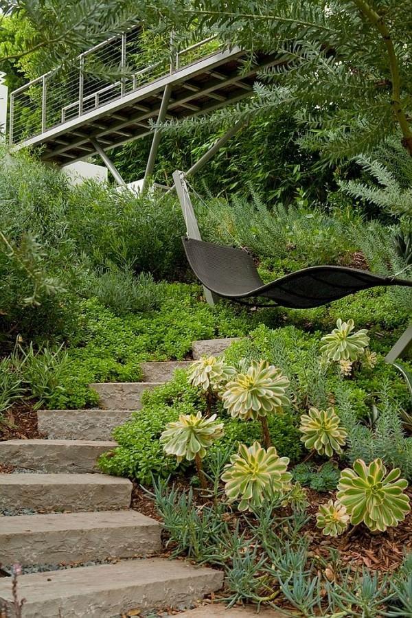 A-relaxing-retreat-in-the-lush-green-backyard
