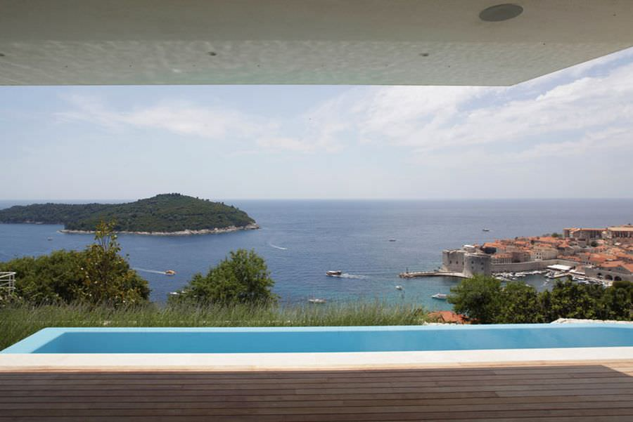 Beautful-views-of-lokrum-island-and-dubrovnik-from-House-U