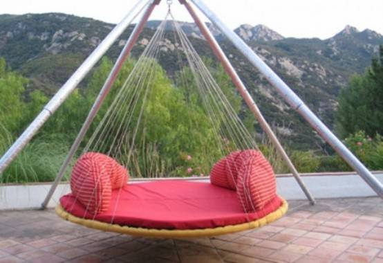 Built-up-outdoor-hanging-bed-in-red