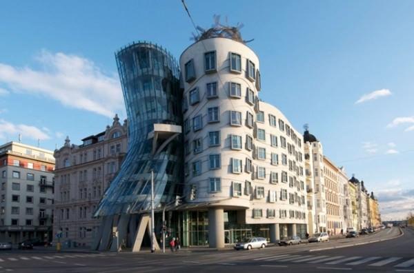 Constructii cu arhitecturi ciudate (5)