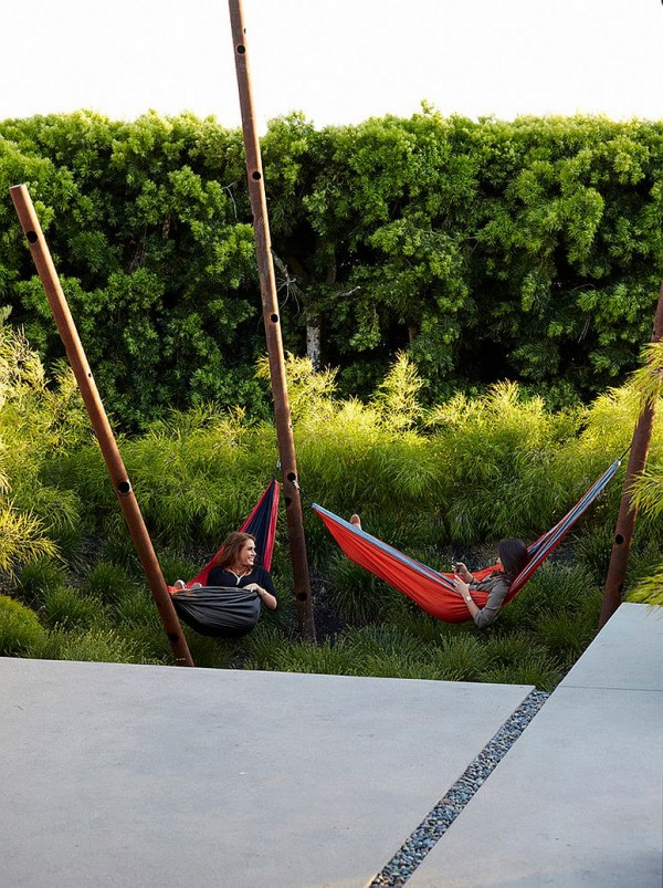 Contemporary-take-on-the-classic-hammock