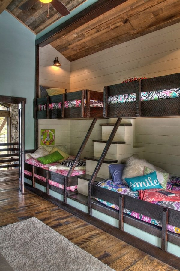 Cool-rustic-bedroom-with-bunk-beds-and-steps