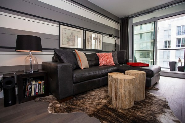 Custom-made-tree-trunk-coffee-tables-add-rustic-charm-to-the-room