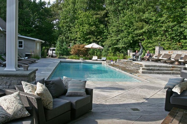 Expansive-pool-area-with-a-stamped-concrete-deck