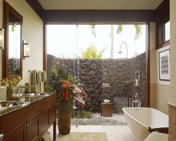 Extend-the-indoor-bathroom-outside-with-a-glass-wall-shower-area
