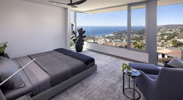 Fabulous-master-bedroom-offers-sensational-views-of-Laguna-Beach
