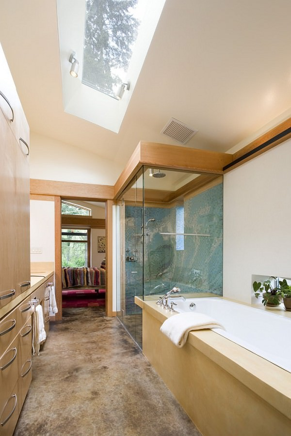 Give-the-narrow-modern-bathroom-an-airy-appeal-with-the-skylight