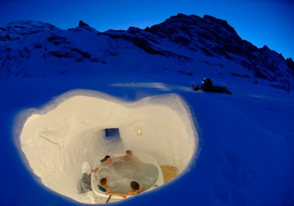 Igloo-Village-Hot-Tub