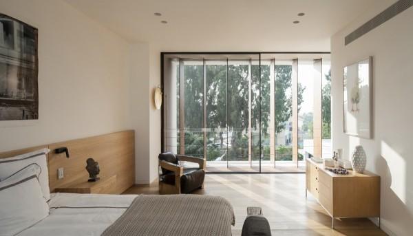 Mediterranean-residence-master-bedroom