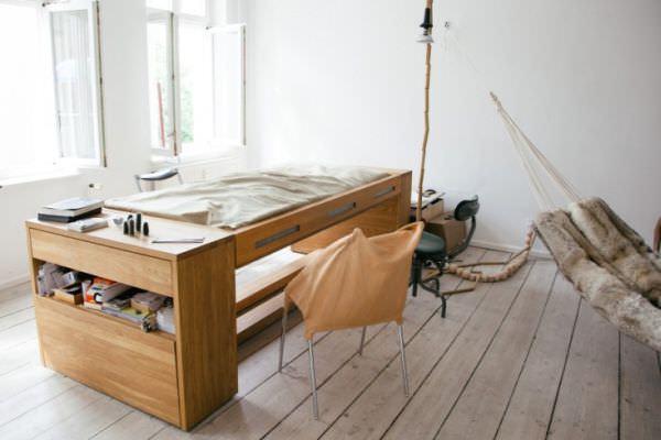 Mira-Schroder-Desk-design2